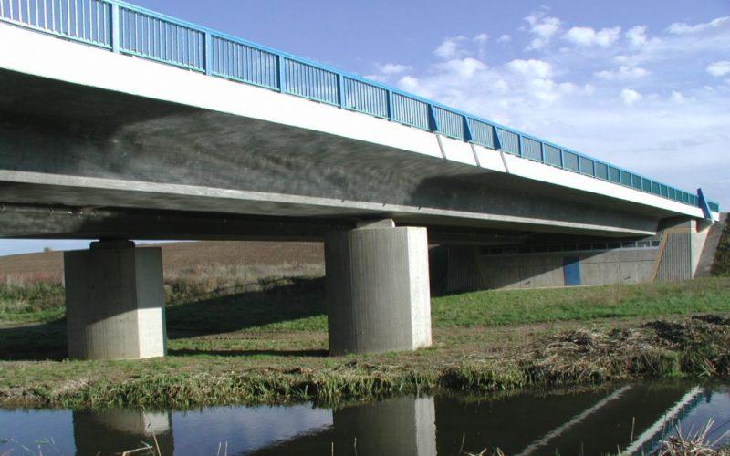Brücke über dem Aubach, bei Schwerin